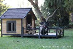 Doghouse avec un porche en palettes Pallet Furniture Tutorial, Pallet House, Niches, Porche, Dog Houses, Shed, Outdoor Structures, Case, Pallets