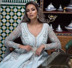 Caftan Sari, Moroccan Caftan, Lace Wedding, Wedding Dresses, Facon, Kaftan, Gowns, Indian, Elegant