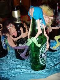 Resultado de imagen para duendes con botellas