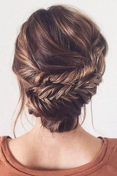 Elegant Double Fishtail Updo on ♥ You can learn how to recreate . Elegant Double Fishtail Updo on ♥ You can learn how to Fishtail Updo, Braided Updo, Braided Hairstyles, Cool Hairstyles, Updo Hairstyle, Fishtail Braid Wedding, Twisted Braid, Bun Updo, Bridesmaid Hair Updo Braid