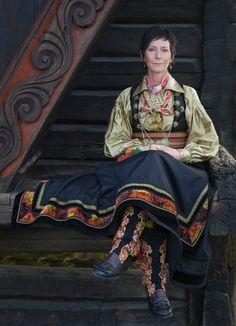 Beltestakk from Telemark. Norwegian Clothing, Norwegian Vikings, Norway Viking, Folk Clothing, Folk Costume, Fashion History, Traditional Dresses, Rock, Beautiful People