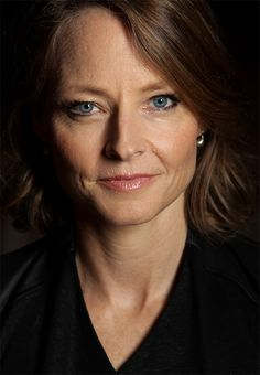 Jodie Foster (too many amazing people to name, one of my favourites being… Jodie Foster, Alexandra Hedison, Beautiful People, Beautiful Women, Amazing People, Actrices Hollywood, Ageless Beauty, Jolie Photo, Aging Gracefully