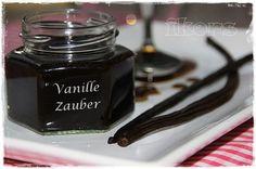 Vanillezauber Vanillepaste 250 g Zucker 120 g Wasser 10-12 (ca. 35 g) Vanilleschoten in Stücken 8 Min./50°/St.1 ... Vanille Paste, Claudia S, Spices And Herbs, Food Club, Sweet Pastries, Chutneys, Chocolate Fondue, A Food, Perfume Bottles