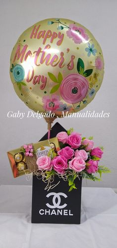 Balloon Surprise, Flowers For Mom, Indian Beadwork, Birthday Balloon Decorations, Happy Mothers Day, Cake Toppers, Christmas Bulbs, Balloons, Holiday Decor