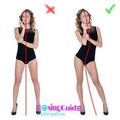 ✎ Regra №12 ✽Mais curvas suaves. Se você escolher uma pose com os pés na largura dos ombros, torná-lo mais interessante: os quadris podem ser puxados de lado e, em seguida, sua cintura vai se tornar magro, e a curva suave do corpo vai fazer o seu Os quadris parecem mais redondos. ✔
