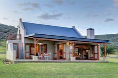Africa south african homes, african house, cape dutch, farmhouse plans, country farmhouse Modern Farmhouse Design, Modern Farmhouse Exterior, Farmhouse Plans, Country Farmhouse, Farmhouse Decor, Style At Home, House Plans South Africa, African House, Farmhouse Architecture