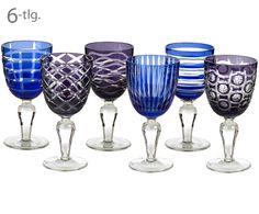 Streifen, Wellen oder grafische Muster – Das Weinglas-Set COBALT von Pols Potten bringt Abwechslung auf den Tisch. Die sechs Weinkelche aus Glas bestechen mit unterschiedlichen Designs in schönen Blautönen. Jedes Glas bereichert Ihre Tafel mit seiner einzigartigen Ausstrahlung.
