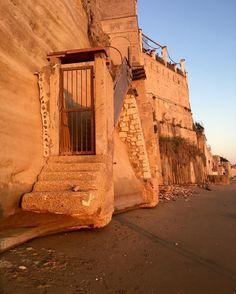Sunset stairs #tyrrheniansea #italy #rome #beauty #nature #beach #motherson #travel #traveling