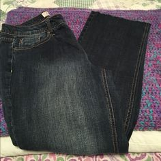 ‼️FINAL PRICE Great jeans!! Cute!‼️ These are perfect! I love them but I'm not this size anymore!  Bottoms are frayed. Perfect with heels or boots. Size 8 petite Faded Glory Jeans Boot Cut