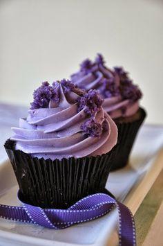 Rozanne's Cakes: Purple Velvet cupcakes in Durbanville
