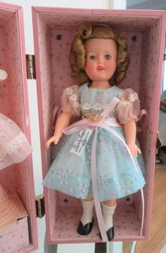 Vintage-1950s-Ideal-Shirley-Temple-12-Doll-Trunk-Extras-EXCELLENT