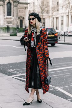 London Fashion Week 2017  Street Style  | via Collage Vintage
