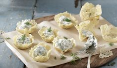 Parmesan Nests with Cheese Mousse Filling by Greek chef Akis Petretzikis. Crunchy little baked parmesan nests with a rich, creamy and aromatic cheese filing! Protein Smoothie Recipes, Yogurt Smoothies, Rum And Lemonade, Lemonade Slushie, Parmesan, Mousse, Nester, Healthy Yogurt, Greek Recipes