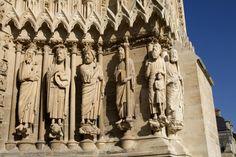 Scopri la cattedrale di Notre-Dame di Reims, cattedrale gotica e vero scrigno di luce.