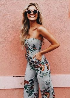 Check out these great floral outfit ideas! #floralprint #floraloutfit #summerstyle