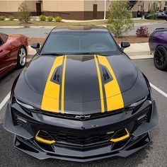 Black and yellow are always a good combo 🔥🐝 Owne Yellow Camaro, Black Camaro, Best Luxury Cars, Luxury Suv, Camaro Car, Chevrolet Camaro, Monster Car, Racing Stripes, Futuristic Cars
