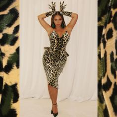 The largest photo gallery for Beyoncé Knowles with pictures, including photoshoots, appearances, performances, candids and more. Estilo Beyonce, Beyonce Style, Beyonce Knowles Carter, Beyonce And Jay, Beyonce Blonde, Fashion Hub, Fashion Killa, Style Fashion, Fashion Music