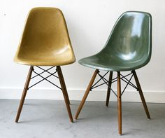 Eames, DSW shell chairs / Herman Miller                                                                                                                                                      More