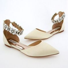 50+ Chic Flat Wedding Shoes Ideas 10