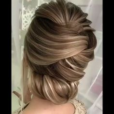 20 Stylish Updo Hairstyles That You Will Want to Try / Latest Hair Trends 2019 - Hochzeit - Hochzeitsfrisuren-braided wedding updo-Wedding Hairstyles Haircut Styles For Women, Short Haircut Styles, Braided Hairstyles Updo, Easy Hairstyles, Hairstyles Videos, Long Hair Wedding Styles, Long Hair Styles, Hair Upstyles, Latest Hair Trends