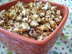 Easy To Be Gluten Free | Gingerbread Popcorn