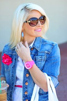 Such girly style mixed with a boxy jean jacket. I love the pops of bright pink!