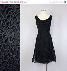 SUR vente Vintage Ceil robe Chapman  par LivingThreadsVintage