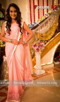 Qubool Hai, Indian Tv Actress, Beautiful Saree, Priyanka Chopra, Girly Things, Actresses, Queen, My Favorite Things, Board