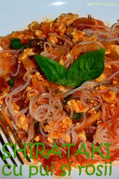 Shirataki con carne (with chicken) Dukan Diet Recipes, Japchae, I Foods, Appetizers, Chicken, Ethnic Recipes, Dukan Diet, Appetizer, Entrees