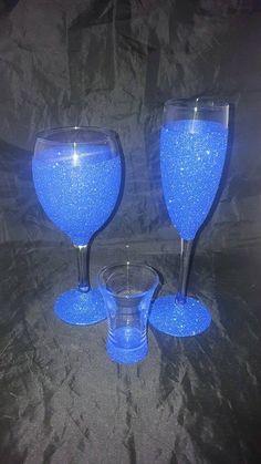 Glitter Glasses, Glitter Wine, Handmade Decorations, Handmade Crafts, Champagne Glasses, Christmas Traditions, Shot Glass, Wine Glass, Decoupage