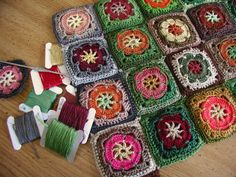 Fiddlesticks - My crochet and knitting ramblings.: Crazy Insane Granny Square Madness