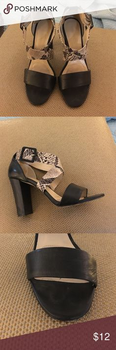 Jones New York ankle strap Snakeskin print with black. Good condition Jones New York Shoes Sandals