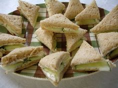 In a food processor, combine 3 oz. cream cheese with 2 Tablespoons real mayonnaise, 1 teaspoon minced, fresh garlic and 2 teaspoons dry Italian seasoning. Spread the mixture evenly among 6 slices of sandwich bread. Cucumber Tea Sandwiches, Wrap Sandwiches, I Love Food, A Food, Food And Drink, Appetizers For Party, Appetizer Recipes, Tea Recipes, Cooking Recipes