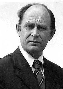 """Antony C. Sutton (1925-2002) war britischer Ökonom, Historiker und Autor.  """"Wallstreet und der Aufstieg Hitlers (1976) 2009 http://www.antonysutton.com"""