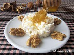 soft goat cheese with honey: mel i mató