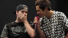 Austin Mahone singing to Zach Dorsey during sound check (September 9th, ...