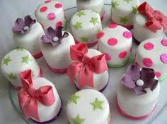 Pettifor baby shower cakes