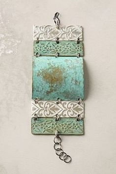 love this bracelet and wish I could find out where to purchase.... Clay Jewelry, Metal Jewelry, Jewelry Crafts, Jewelry Art, Jewelry Accessories, Handmade Jewelry, Jewelry Design, Jewelry Model, Crystal Jewelry