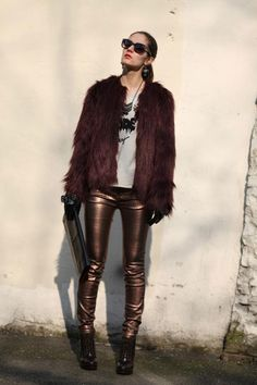 Pull & Bear pants  - Bershka ankle boots  - Zara clutch  - Guess faux fur coat ( similar in emerald green here)  - Zara top
