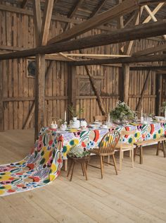 Marimekko fabrics - Buy online from Finnish Design Shop. Discover Unikko and other Marimekko fabrics for a modern home! Marimekko Fabric, Japanese Patterns, Stencil Art, Textile Patterns, Floral Patterns, Linocut Prints, Summer Garden, Scandinavian Style, Minimalist Design