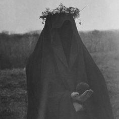 "dark-recesses-of-the-soul: "" ☽ dark, horror, eerie, macabre ☾ "" Gothic Aesthetic, Witch Aesthetic, Arte Obscura, Dark Photography, Macabre, Dark Fantasy, Dark Art, Dark Side, Witchcraft"