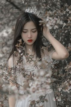 [ bìa des by: @Aliceieyu ] Tình yêu trong giới giải trí, giả tạo ? … #ngẫunhiên # Ngẫu nhiên # amreading # books # wattpad Aesthetic People, Aesthetic Girl, Fantasy Photography, Girl Photography, Princess Aesthetic, Cute Korean Girl, Uzzlang Girl, Beautiful Asian Girls, Girl Photos
