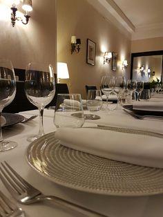 Dining Table, Restaurant, Furniture, Home Decor, Decoration Home, Room Decor, Dinner Table, Diner Restaurant, Home Furnishings