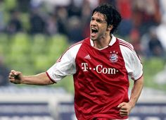 Michael Ballack - FC Bayern Munchen  (1 of my fav midfielders and 1st player I liked in Bundesliga 2004)