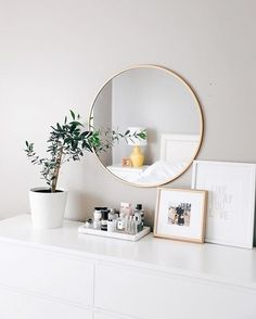 it's called self care look it up it's called self care look it up The post it's called self care look it up appeared first on Lichterkette ideen. einrichten rose it's called self care, look it up 💅 - Lichterkette ideen Room Ideas Bedroom, Home Decor Bedroom, Bedroom Inspo, Master Bedroom, Modern Bedroom Furniture, Interior Livingroom, Decor Room, Aesthetic Room Decor, Awesome Bedrooms