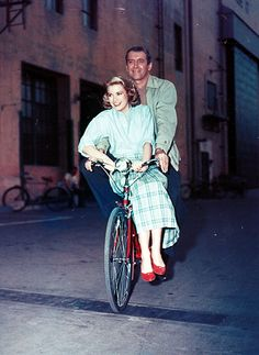 Photography (James Stewart and Grace Kelly, 1954)
