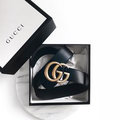 Today we are going to make a small chat about 2019 Gucci fashion show which was in Milan. When I watched the Gucci fashion show, some colors and clothings. Accessoires Gucci, Gucci Fashion Show, Style Fashion, Classic Fashion, Fashion Black, Fashion Ideas, Chanel Fashion, Luxury Fashion, Girl Fashion