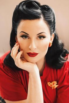 Wedding makeup red lips blonde victory rolls super Ideas Hochzeit Make-up rote Lippen blon Looks Rockabilly, Mode Rockabilly, 1950s Hairstyles, Up Hairstyles, Wedding Hairstyles, Stylish Hairstyles, Short Vintage Hairstyles, Wave Hairstyle, Gorgeous Hairstyles