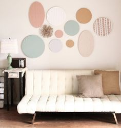 quilting/embroidery hoop wall art. loving this. a lot.
