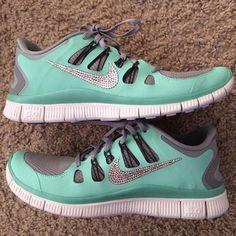 New basket ball game outfit women leggings nike free Ideas Discount Nike Shoes, Nike Shoes For Sale, Nike Shoes Cheap, Nike Free Shoes, Nike Shoes Outlet, Cheap Nike, Buy Cheap, Nike Outfits, Nike Free Runs